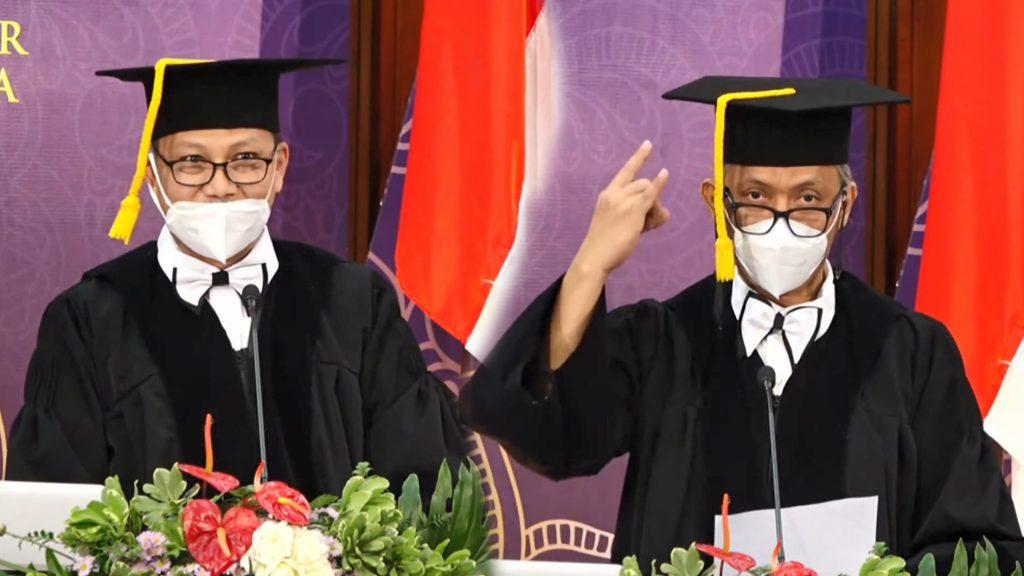 Pengukuhan Prof Djarot B Darmadi dan Prof Anindito